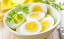 Sau tiêm vaccine COVID-19 có cần kiêng ăn trứng?