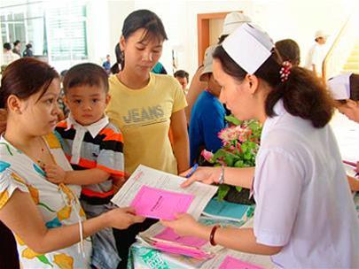 Sự ân cần của nhân viên y tế là liều thuốc tinh thần lớn cho người bệnh.
