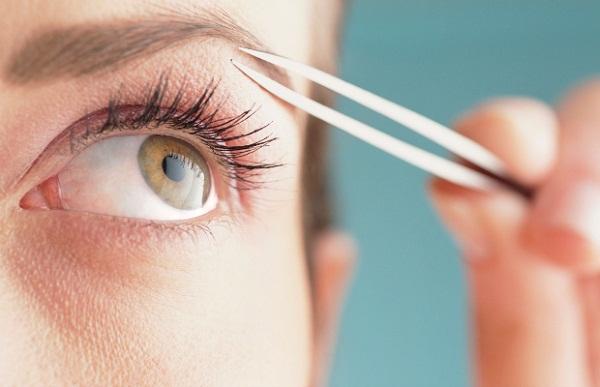 ghk-eyebrow-mistakes-de-3072-1416248765.