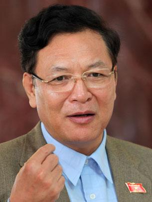Bộ trưởng GD-ĐT: Chương trình, sách giáo khoa mới chú trọng giảm tải