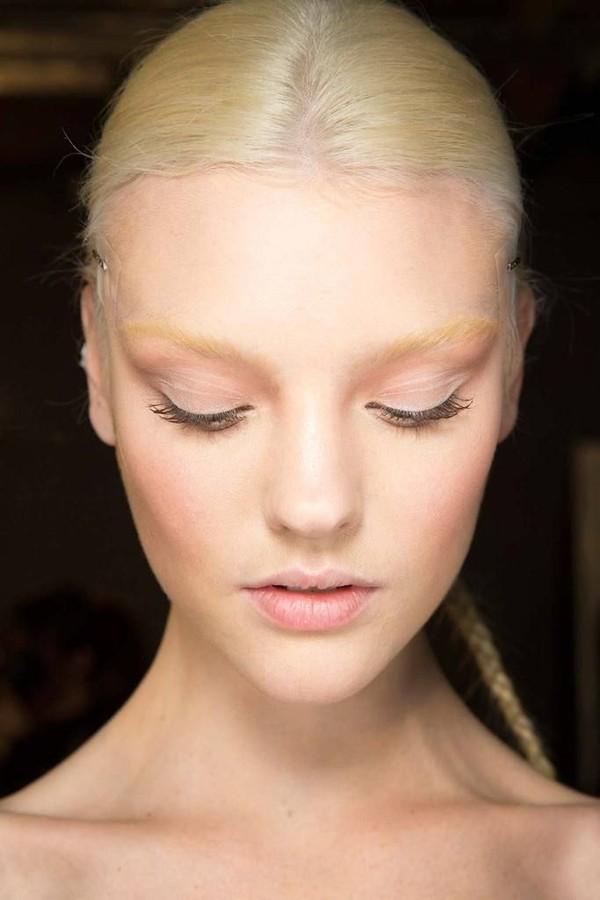 Những lỗi tạo dáng phổ biến khiến lông mày trông xấu tệ 8