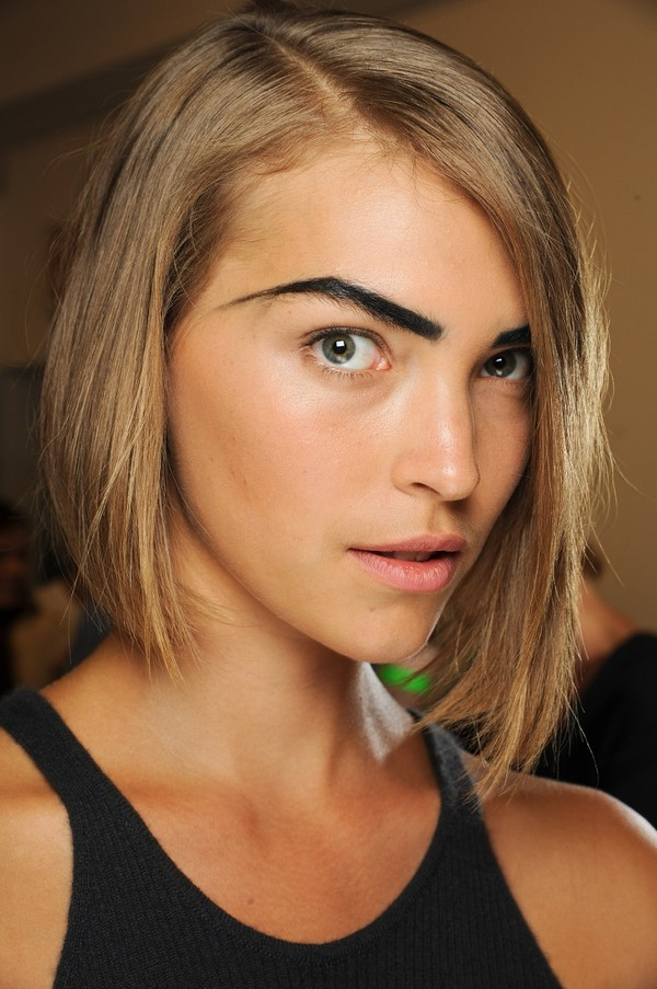 Những lỗi tạo dáng phổ biến khiến lông mày trông xấu tệ 9