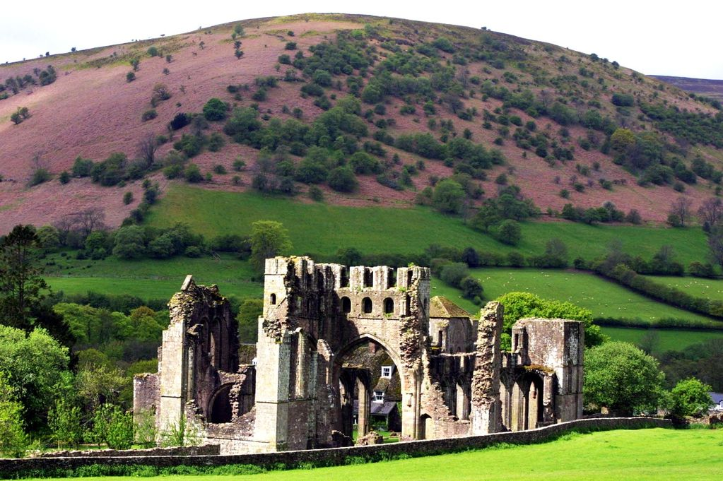 Xếp thứ 10 là Wales, xứ sở của những ngọn núi và rừng bạt ngàn
