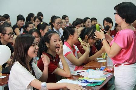 Một giờ trò chuyện giáo dục giới tính - sức khỏe sinh sản của sinh viên Đại học Nguyễn Tất Thành (TP.HCM).