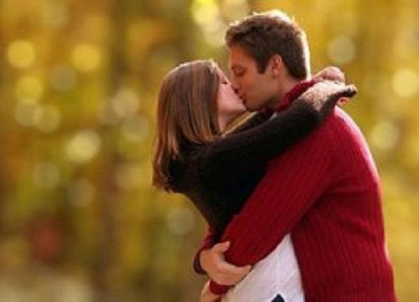 Hình ảnh: Hôn vợ nhiều giúp các ông chồng sống lâu hơn số 2