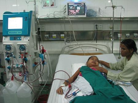 Đây là lần đầu tiên Bệnh viện Phụ sản - Nhi tiến hành chạy thận nhân tạo cho trẻ