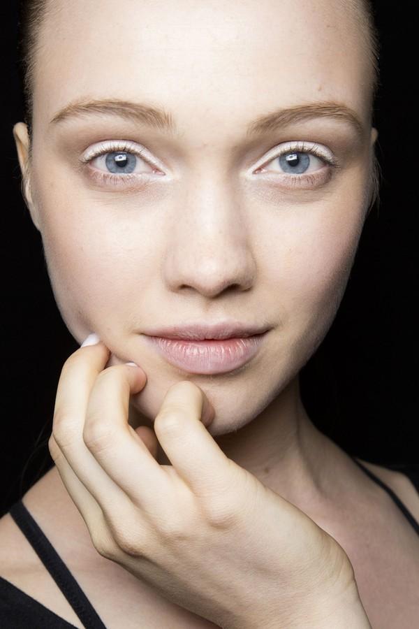 Những lỗi tạo dáng phổ biến khiến lông mày trông xấu tệ 3