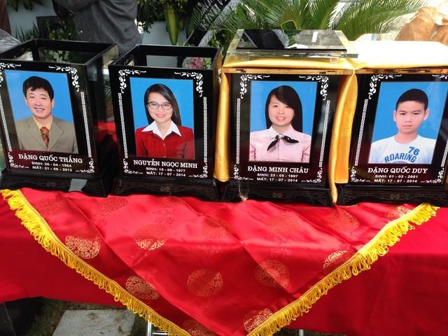 Anh Đặng Quốc Thắng, chồng chị Minh, mất trước đó gần 1 năm cũng được đưa về đây để gia đình chị được đoàn tụ bên nhau