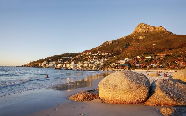 Tiếp đó là Nam Phi, quốc gia duy nhất tại châu Phi có tên trong danh sách