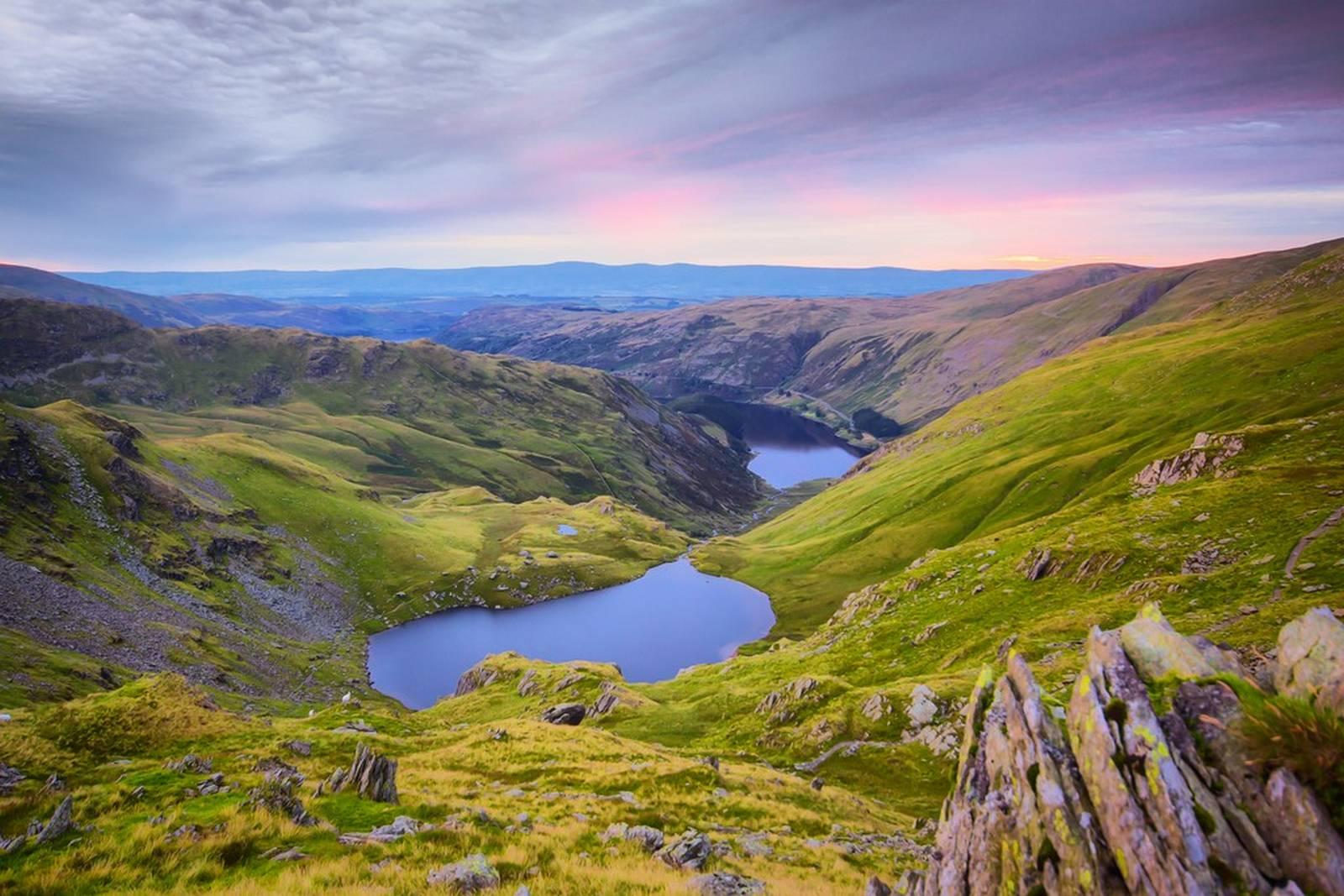 Đứng thứ 7 là nước Anh với những cảnh quan nổi tiếng như như Lake District hay Cornwall.