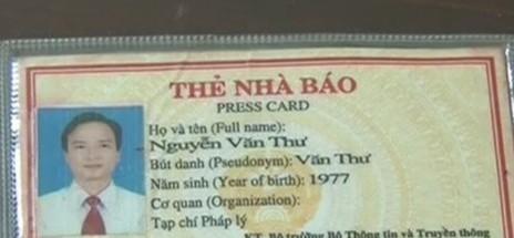 Đối tượng Nguyễn Văn Thư tại cơ quan điều tra. Ảnh: Ngô Tuấn