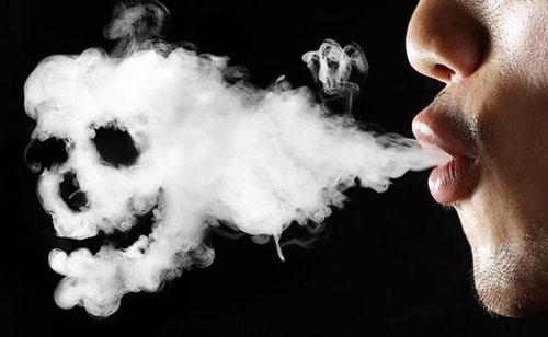 Hút thuốc lá là nguyên nhân hàng đầu gây ung thư vòm họng (Ảnh minh họa)