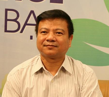 PGS.TS. Nguyễn Văn Kính, Giám đốc Bệnh viện Bệnh nhiệt đới Trung ương.