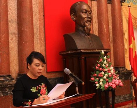Bộ trưởng Bộ Y tế Nguyễn Thị Kim Tiến phát biểu tại buổi tiếp 100 cá nhân hiến máu tiêu biểu