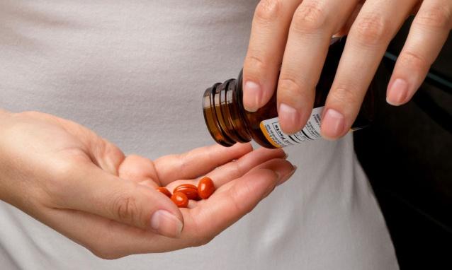 Esttrogen là tên gọi chung cho 3 chất là Estron, Estradiol và Estriol, được ký hiệu là E1, E2, E3.