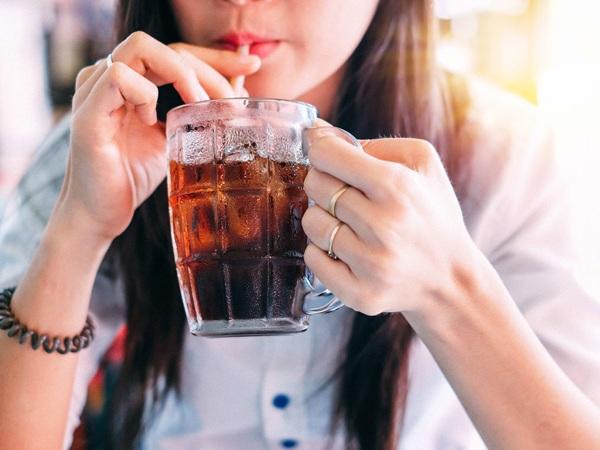 Uống nước khi thức dậy nhiều lợi ích với sức khỏe nhưng không phải loại nước nào cũng tốt - Ảnh 4.