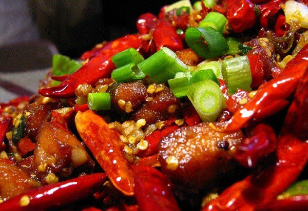 Ăn món gỏi, tái 'đã miệng', nhiều người Việt đang tự phá hủy đại trực tràng  - Ảnh 4.