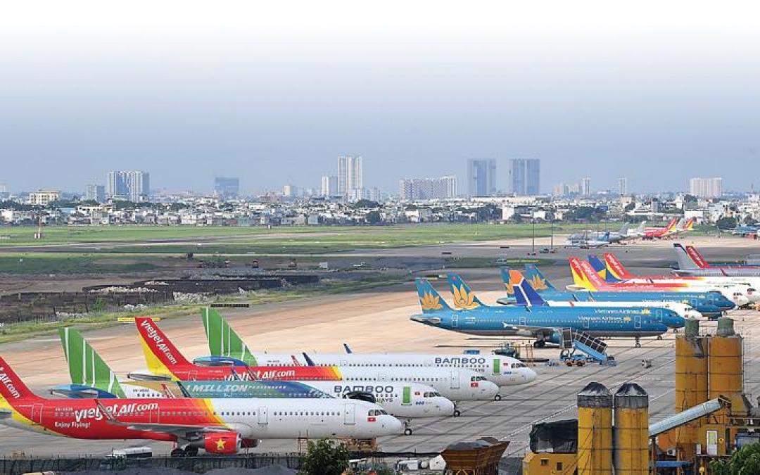 Mở lại đường bay đến TP.HCM và Đà Nẵng, Hà Nội yêu cầu gì?