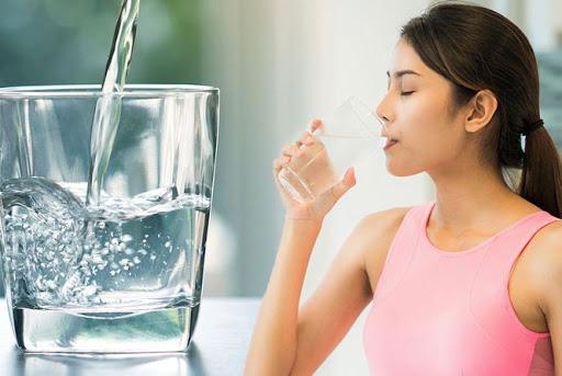 Uống nước thế nào khi tập thể thao? - Ảnh 2.
