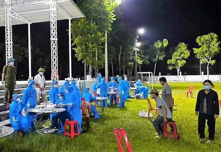 Nghệ An: Cách ly toàn bộ huyện Quỳnh Lưu theo Chỉ thị 16 từ 0h00 ngày 31/7 - Ảnh 2.