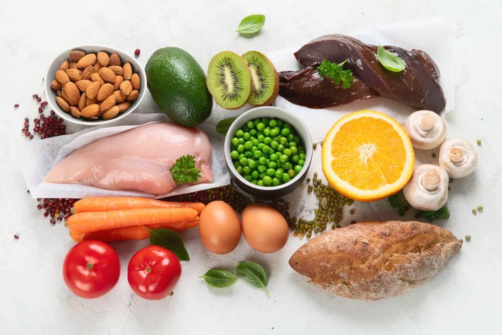 """Những dấu hiệu """"tố"""" cơ thể bạn đang thiếu vitamin nghiêm trọng - Ảnh 1."""