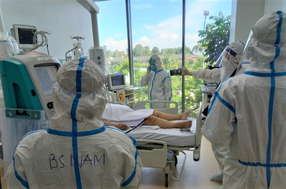 """Diễn biến dịch ngày 17/7: """"Tuyệt đối không để các y bác sĩ trên tuyến đầu thiếu vật tư, trang thiết bị y tế chống dịch""""  - Ảnh 5."""