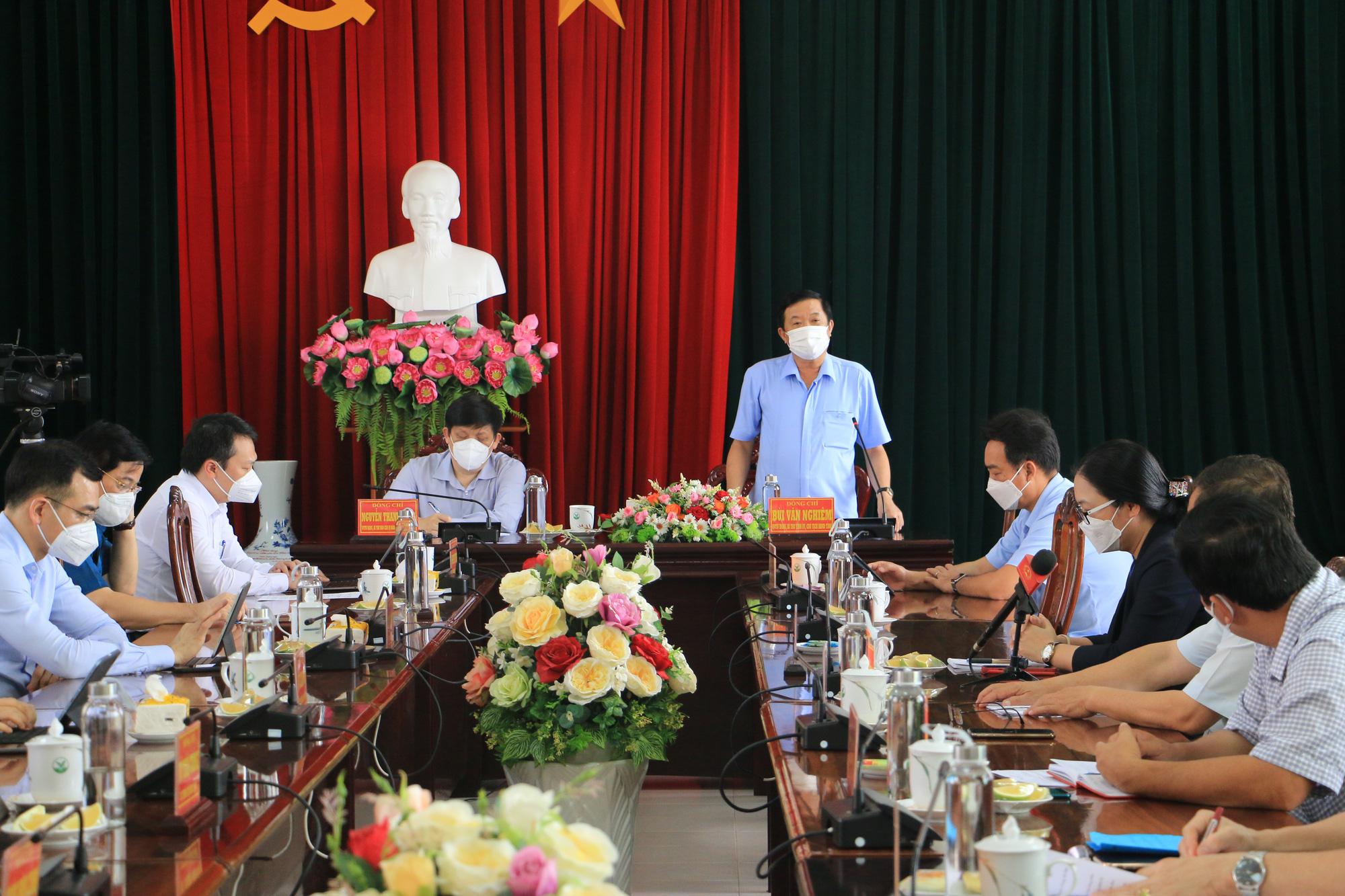 Bộ Y tế điều 3 lãnh đạo các Bệnh viện Trung ương đến hỗ trợ Vĩnh Long điều trị bệnh nhân COVID-19 - Ảnh 3.