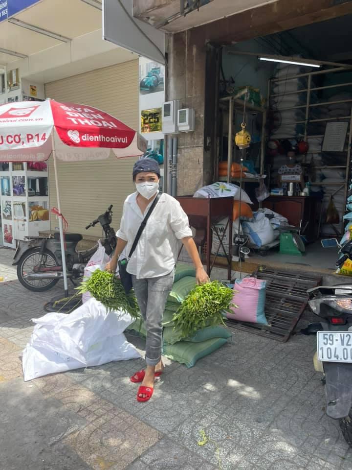Ca sĩ Phương Thanh: 'Người vận chuyển' giữa lòng Sài Gòn - Ảnh 10.
