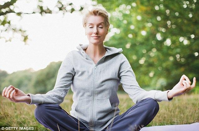 8 lời khuyên giúp giảm triệu chứng mãn kinh - Ảnh 3.