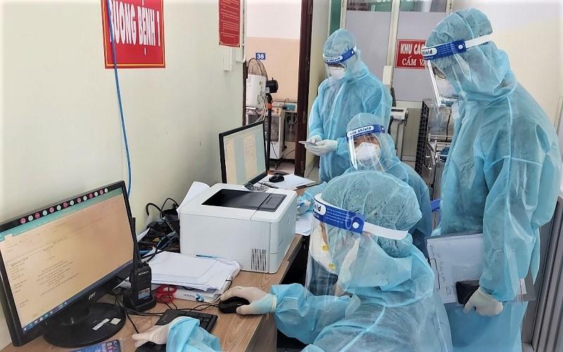 """Diễn biến dịch ngày 17/7: """"Tuyệt đối không để các y bác sĩ trên tuyến đầu thiếu vật tư, trang thiết bị y tế chống dịch""""  - Ảnh 6."""