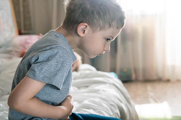 Cách trị trào ngược dạ dày thực quản ở trẻ - Ảnh 2.