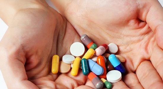 Sốc phản vệ nghi do tự ý mua và sử dụng thuốc kháng sinh - Ảnh 2.