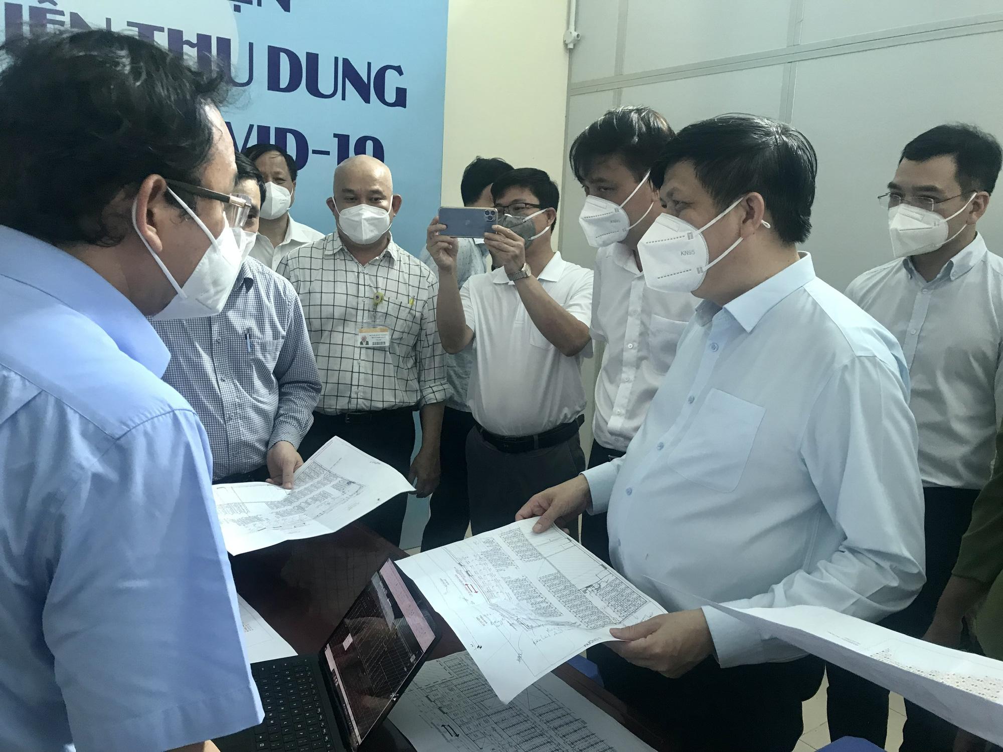 Khẩn trương tiếp nhận bệnh nhân tại 4 Trung tâm hồi sức tích cực COVID-19 ở TP Hồ Chí Minh - Ảnh 7.