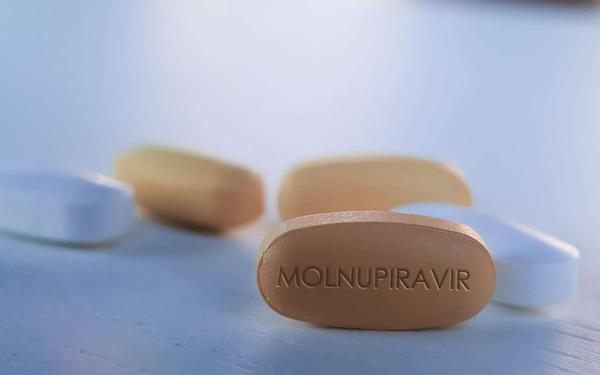 Từ 16/8, Bộ Y tế đưa thuốc Molnupiravir vào triển khai điều trị thí điểm tại nhà F0 có kiểm soát tại TP.HCM