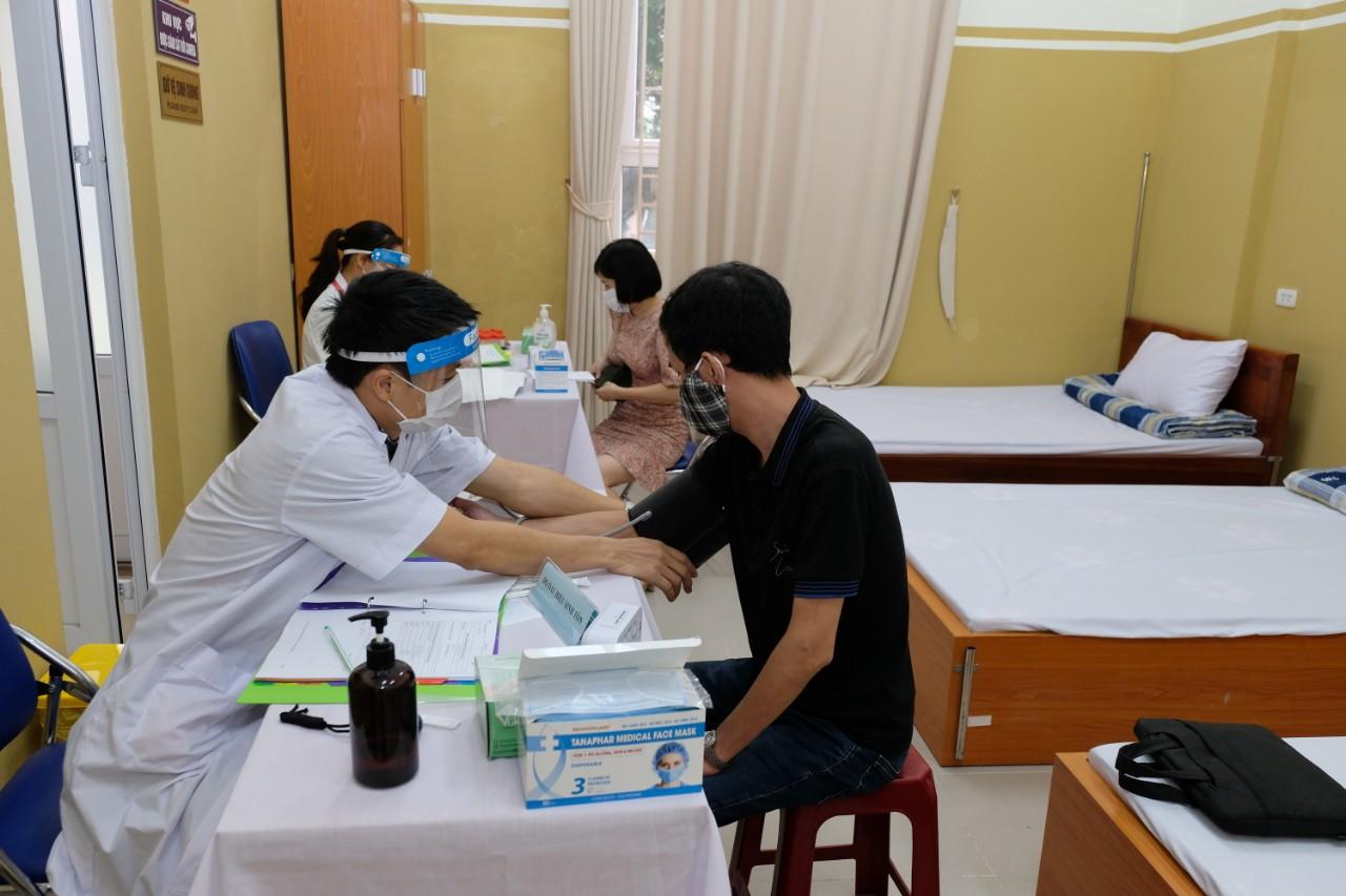 Thứ trưởng Trần Văn Thuấn: Thử nghiệm lâm sàng vaccine ARCT-154 phòng COVID-19 sớm hoàn thiện để Việt Nam có thể tự chủ vaccine - Ảnh 3.