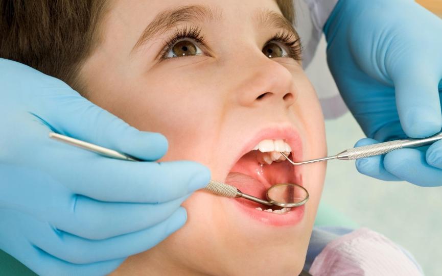 Chăm sóc răng miệng cho trẻ em trong thời gian giãn cách