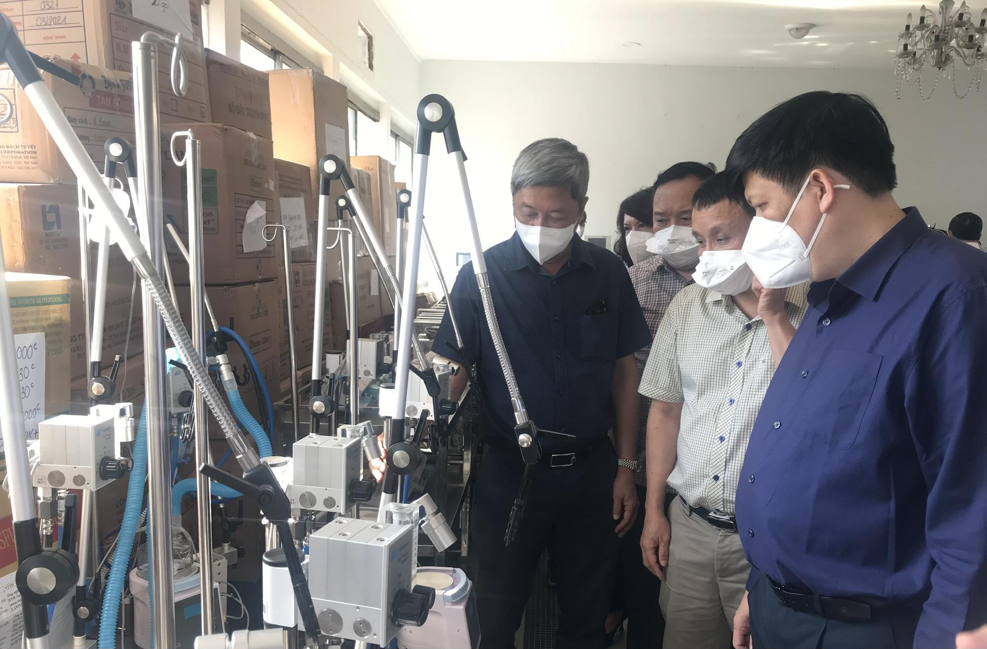 """Bộ trưởng Bộ Y tế: Cung cấp đủ """"vũ khí"""" để thầy thuốc điều trị bệnh nhân COVID-19 nặng - Ảnh 4."""