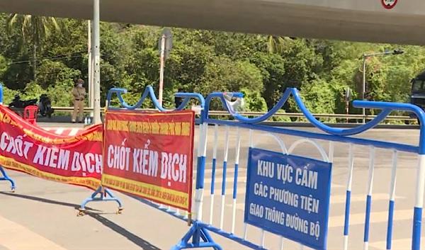 Khánh Hòa: Tiêm mũi 2 vaccine ngừa COVID-19 sau 14 ngày, được qua chốt/trạm kiểm soát liên huyện - Ảnh 2.