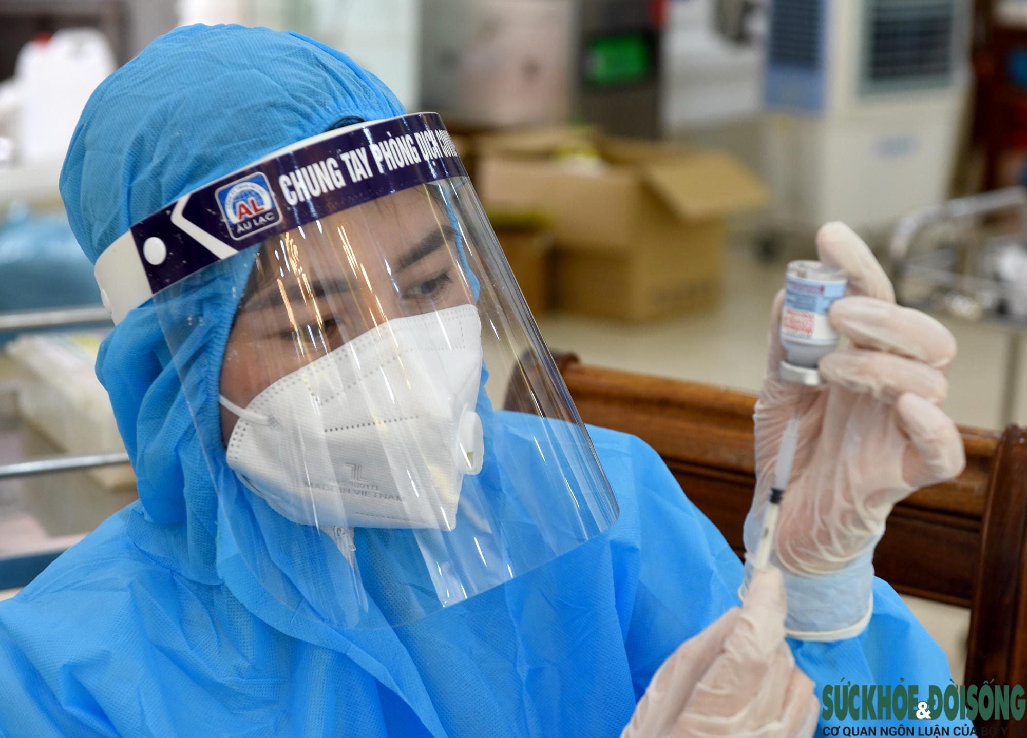 Nghệ An triển khai tiêm hơn 18 ngàn liều vaccine COVID-19  - Ảnh 10.