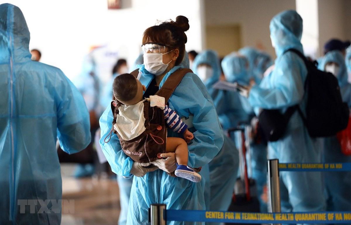 Hướng dẫn mới nhất về cách ly của Bộ Y tế: Cha mẹ được đi cùng trẻ đến cơ sở y tế điều trị COVID-19   - Ảnh 4.
