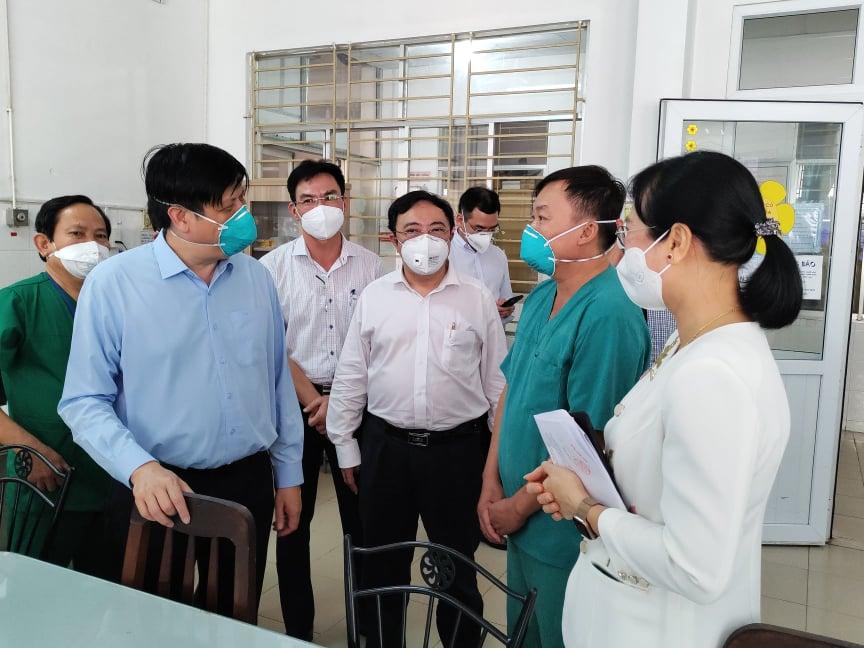 Bộ trưởng Bộ Y tế: Phải sử dụng thuốc sớm, chủ động chuẩn bị đủ oxy cho điều trị người bệnh COVID-19 - Ảnh 3.