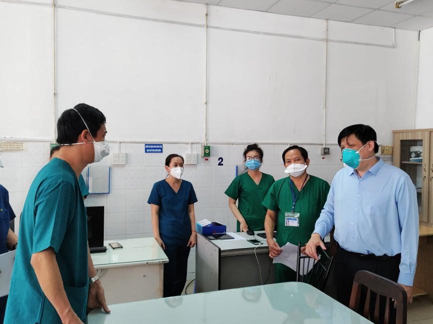 Bộ trưởng Bộ Y tế: Phải sử dụng thuốc sớm, chủ động chuẩn bị đủ oxy cho điều trị người bệnh COVID-19 - Ảnh 2.