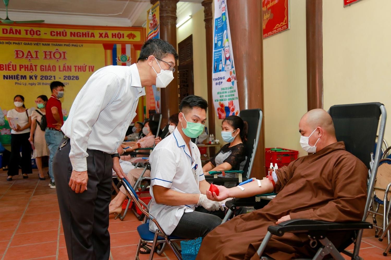 [Ảnh] Tăng ni, Phật tử hiến máu vì miền Nam ruột thịt - Ảnh 8.