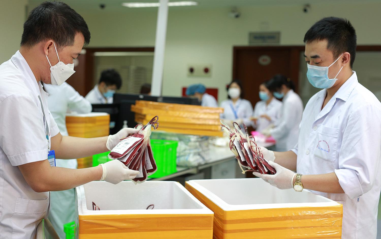 40 chuyến xe như con thoi giữa đại dịch chuyển 3.000 đơn vị máu cứu người
