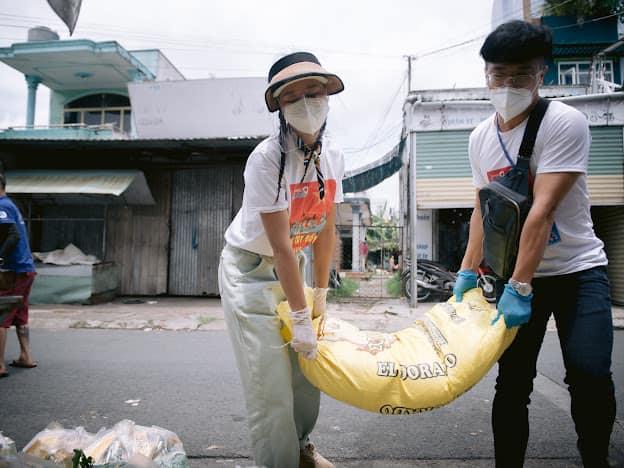 Diễn viên Nam Thư: Hỗ trợ chống dịch mới thấu nỗi vất vả tuyến đầu - Ảnh 5.