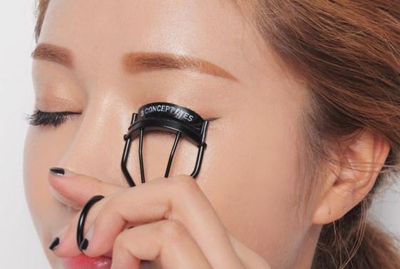 5 bước trang điểm cho đôi mắt đẹp chuẩn sao Hàn - Ảnh 5.