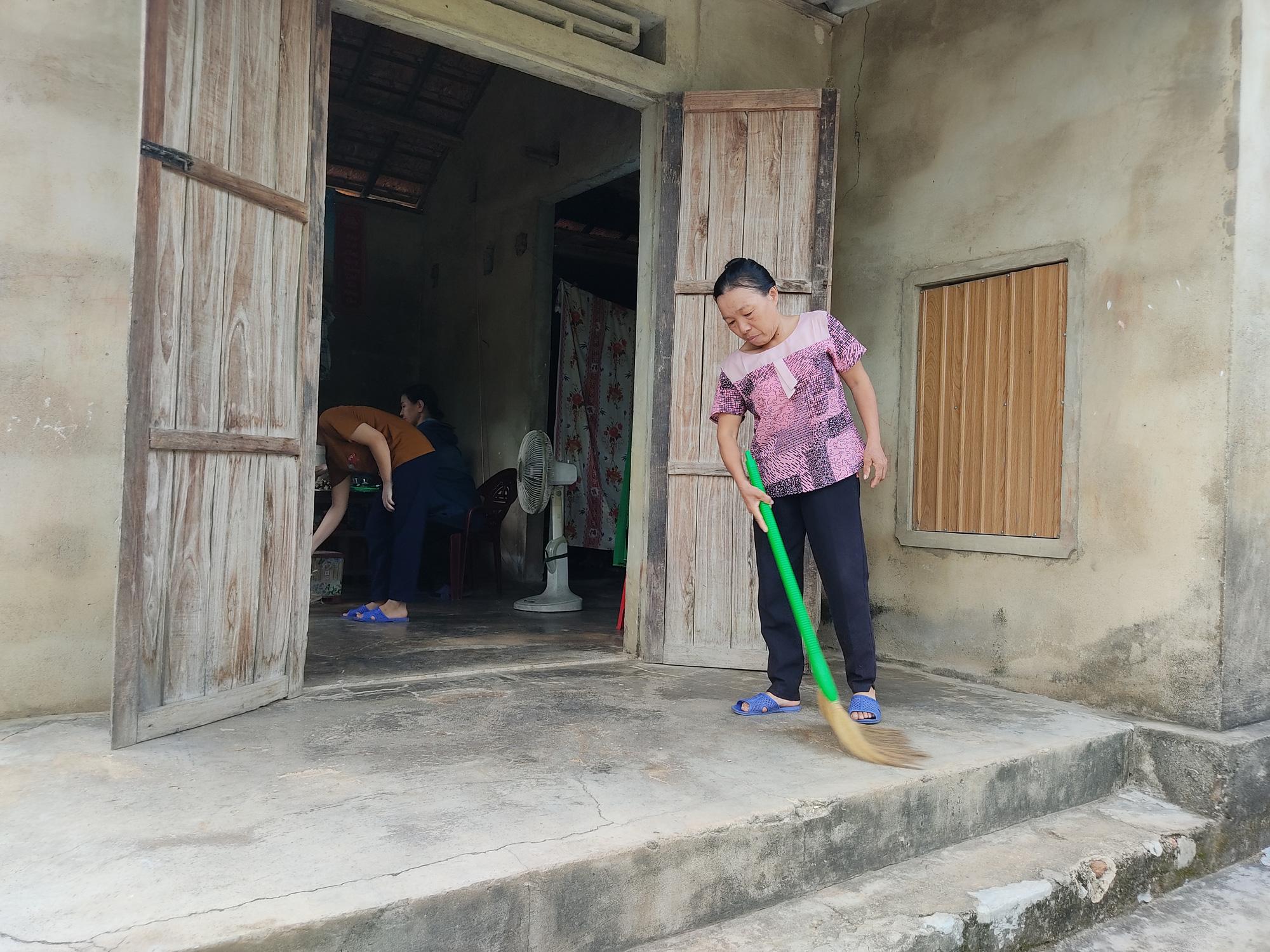 Nữ sinh nghèo có nguy cơ bỏ dở ước mơ vào giảng đường - Ảnh 5.