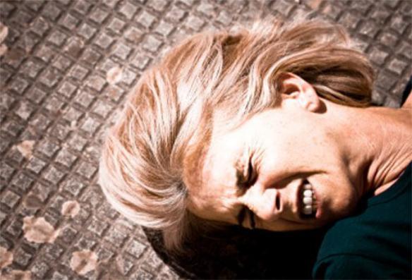 Việc lạm dụng rượu có thể gây rối loạn tâm thần nghiêm trọng.jpg