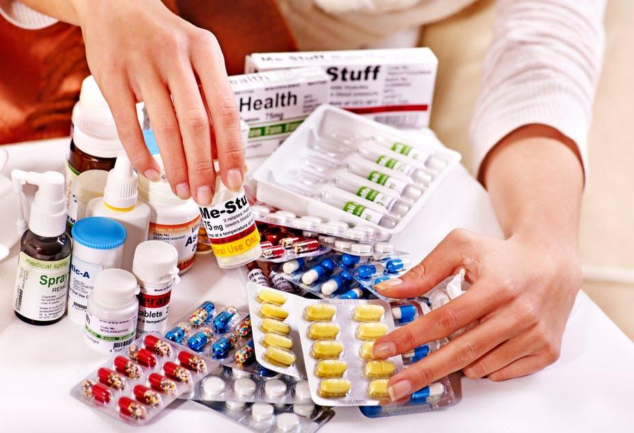 Làm thế nào để sử dụng thuốc hạ sốt an toàn trong mùa dịch? - Ảnh 1.