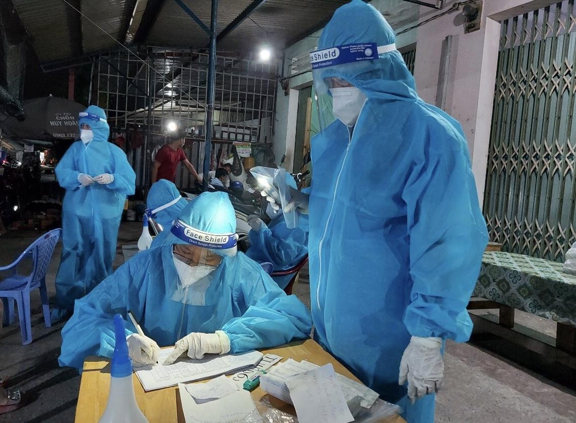 Bộ Y tế hướng dẫn mới nhất các mức chi cho cán bộ y tế, tình nguyện viên hỗ trợ chống dịch COVID-19   - Ảnh 1.